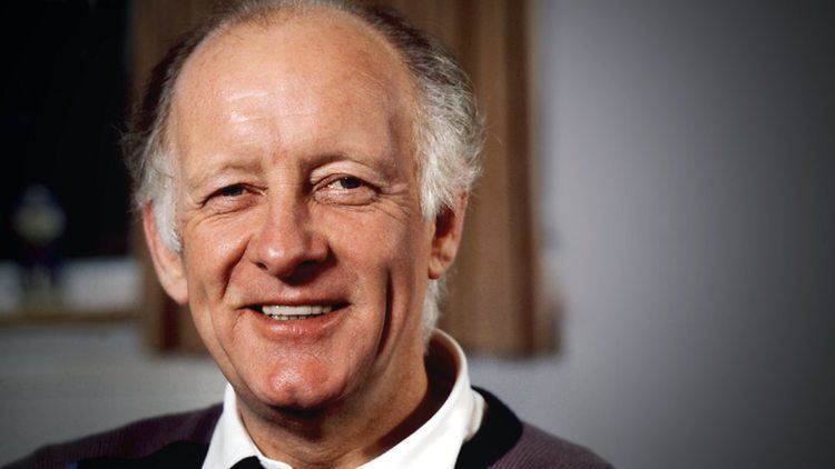Frank Bough, Former Grandstand and Breakfast Time Presenter for BBC, Dead at 87